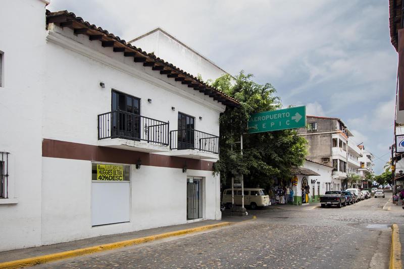 182 Calle Juarez  , Torre Los Balcones, Puerto Vallarta, Ja
