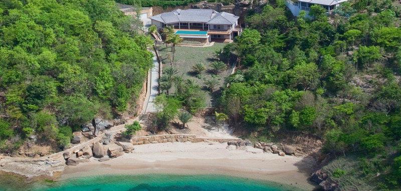 Antigua villa 014 01