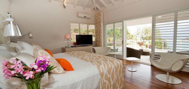Antigua villa 17 09