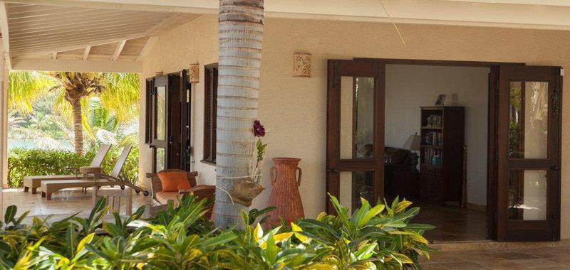 Antigua villa 25 13