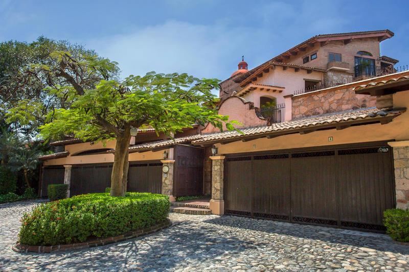 Villas Banderas 2