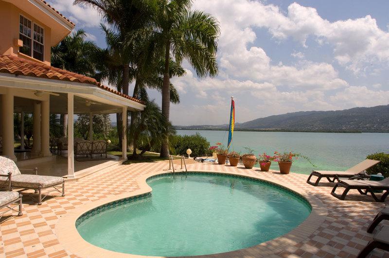 Calypso shores jamaica villas14