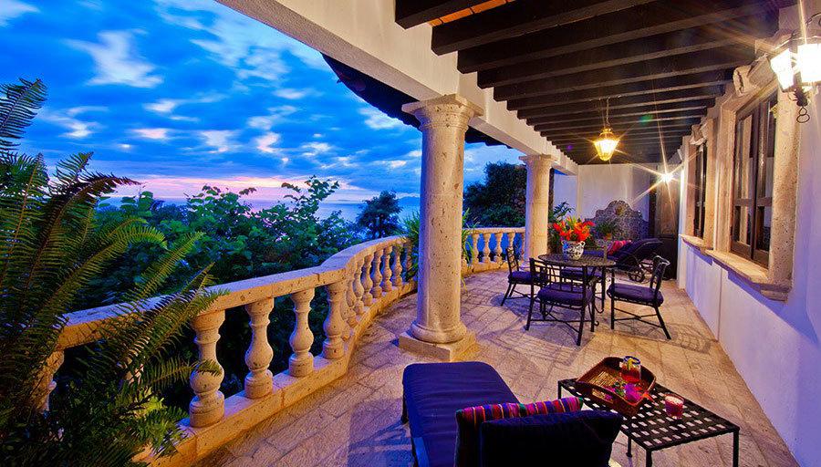 Casa del quetzal gallery puerto vallarta casa helga villas for Villas quetzal celaya