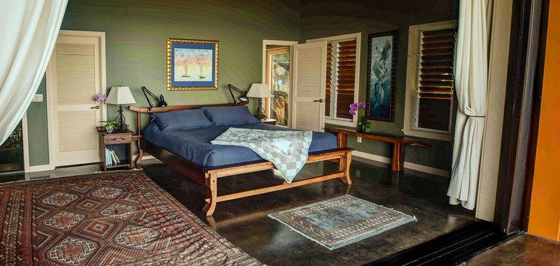 Hawaii dolphin spirit house 17