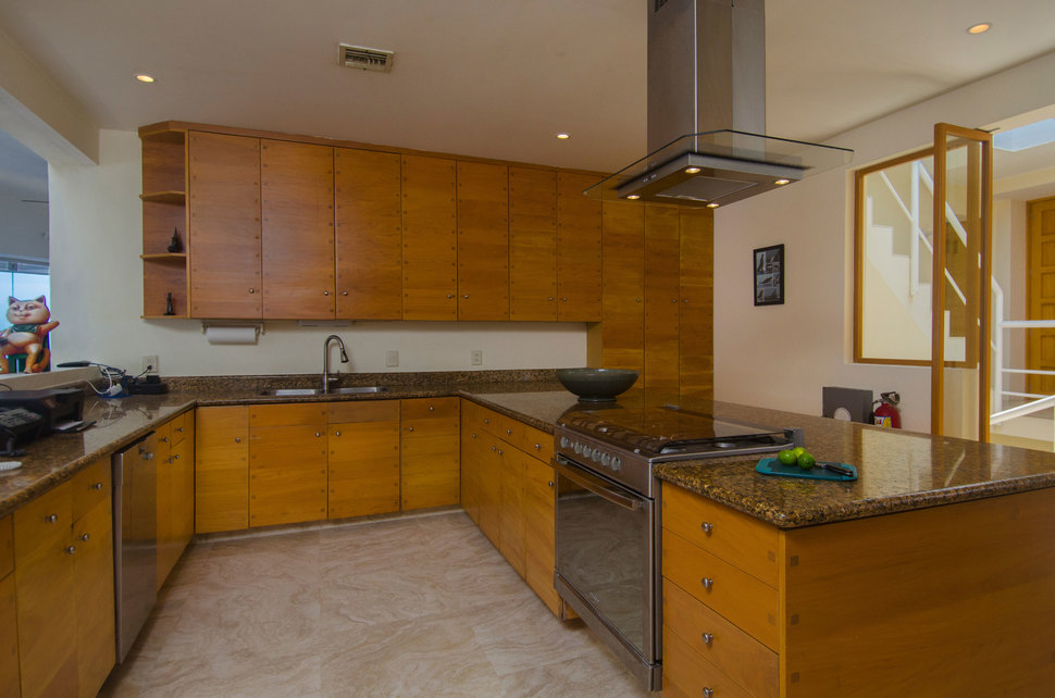 033 clv kitchen north 02