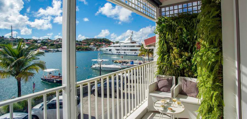 Suite Harbour Villa Rental